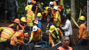 180703112124-03-thai-soccer-team-cave-rescue-0703-large-169